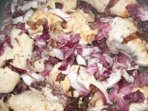 Fagottini di pollo al radicchio e provolone piccante