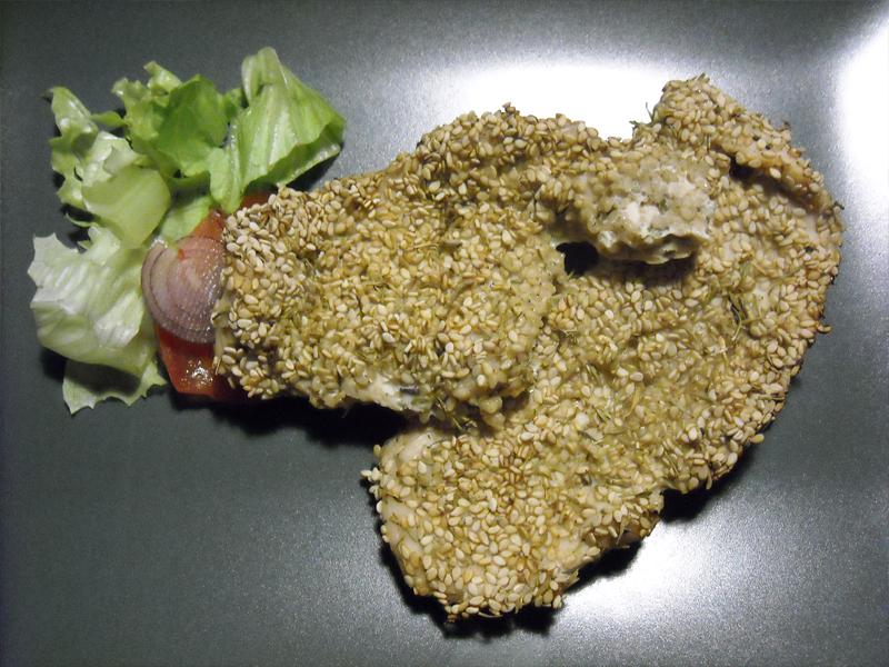 Bocconcini di pollo in crosta di sesamo e timo con tocco di salsa aioli