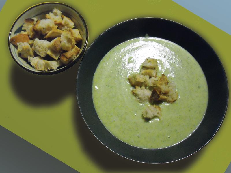 Vellutata di zucchine e stracchino con crostini aromatici