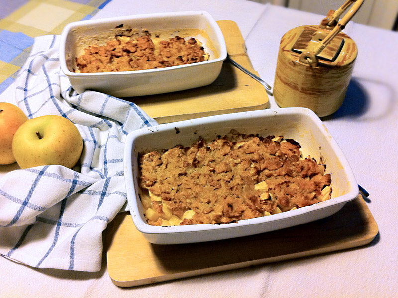 Crumble light alle mele e fiocchi di mais