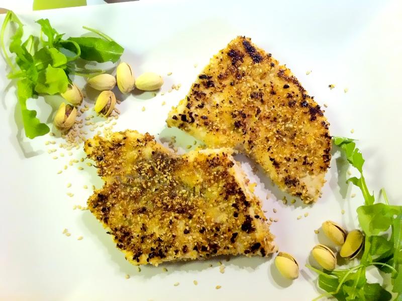 Tranci di pesce spada ai pistacchi e sesamo