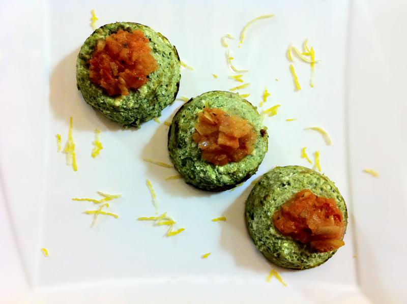 Sformatini ricotta & spinaci con pomodoro piccantino