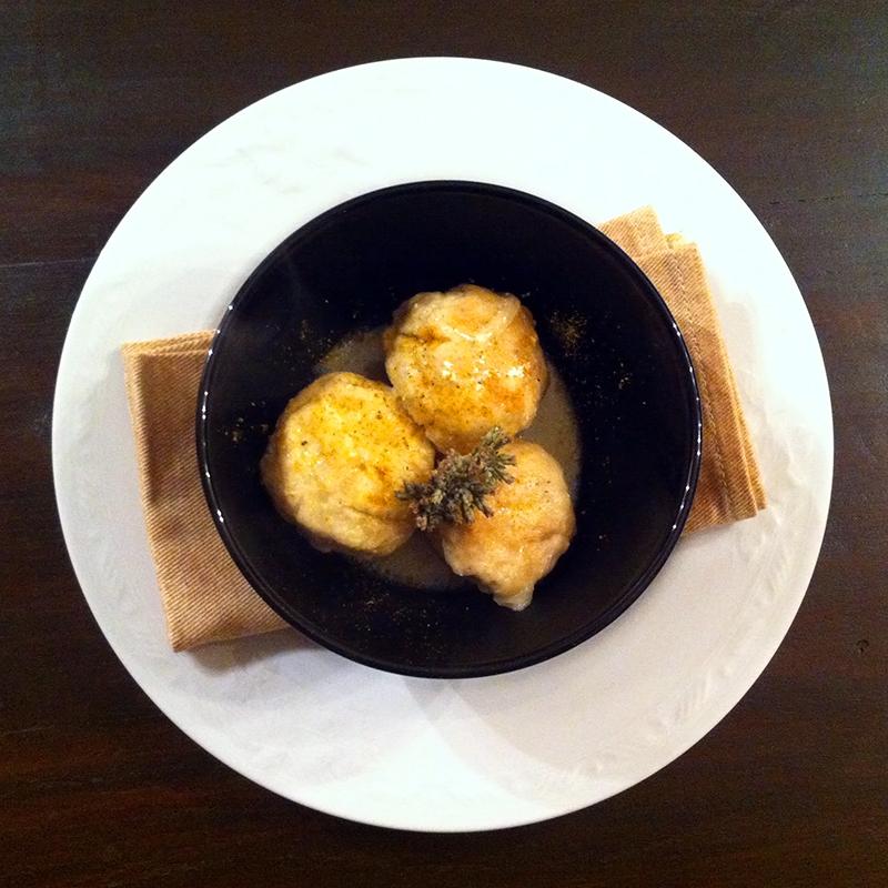 Polpettine di pollo e tacchino al curry con salsa allo yogurt